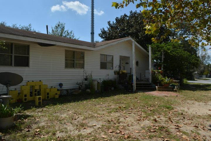 503 Skylark Road, Mary Esther, FL 32569
