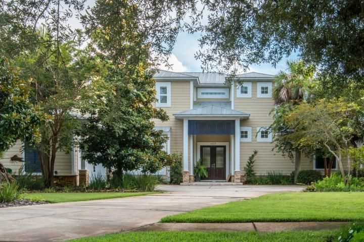 Waterfront on Indian Bayou leads to Choctawhatchee Bay