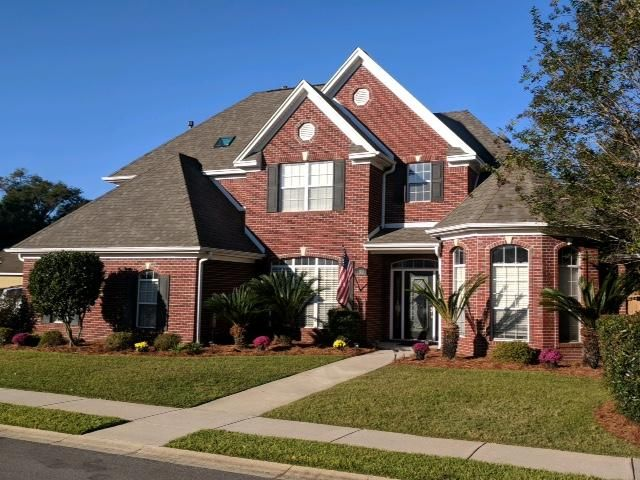Come see this all brick home in Bridgeport Colony