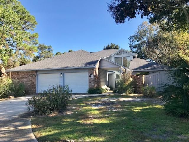 111 W Country Club Drive in Indian Bayou, Destin