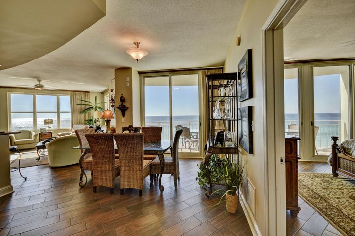 Large, open, flowing space with endless gulf views