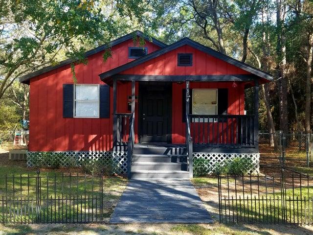 1374 E Chestnut Avenue, Crestview, FL 32539
