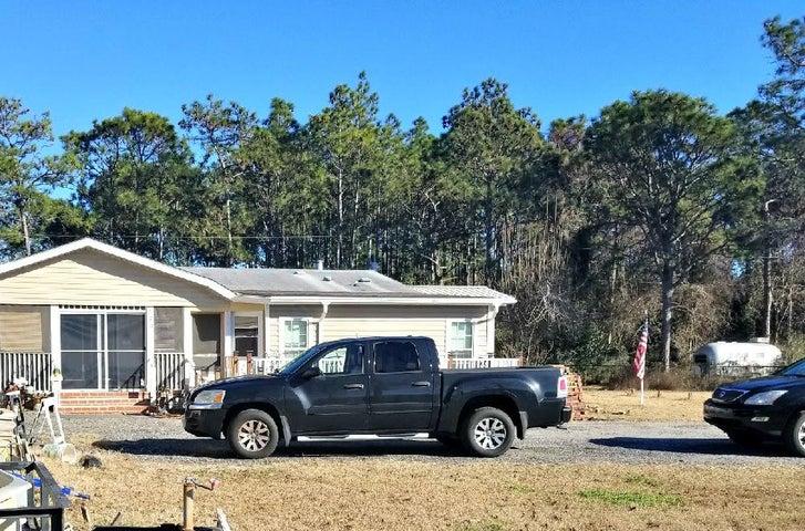 2370 Pawnee Drive, Navarre, FL 32566