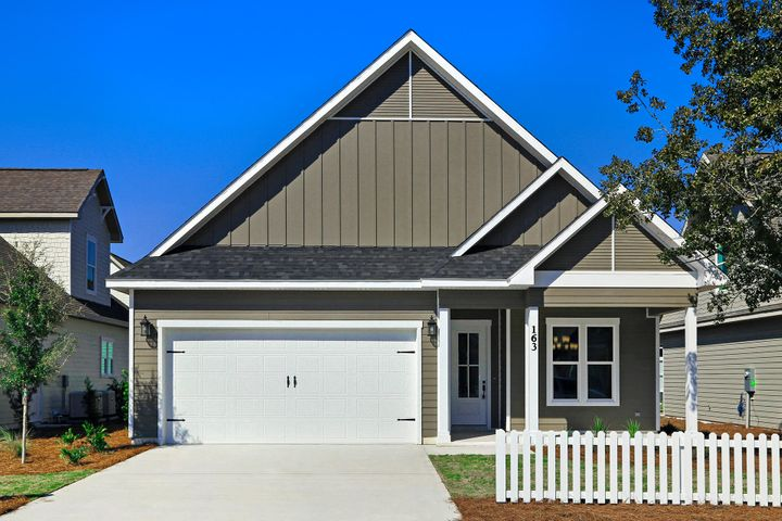 *Pictures may be of similar, but not necessarily of subject property, including exterior/interior colors and finishes...*