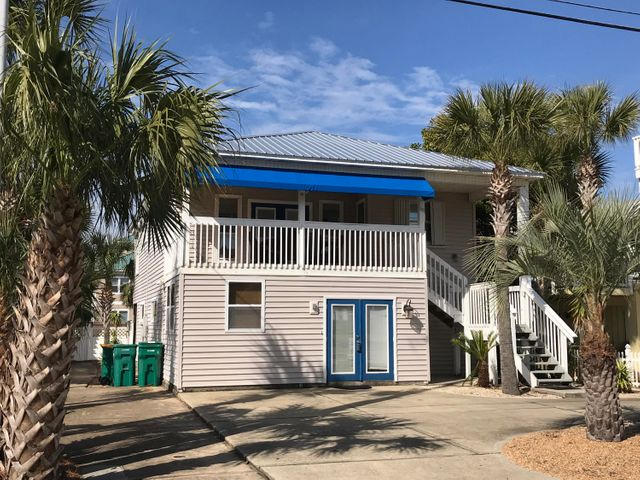 Live By The Sea! Only a Few Steps from the Gulf!!!!