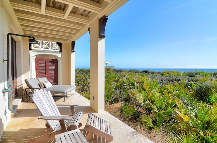 Gulf front covered porch set off 1st floor Guest Suites