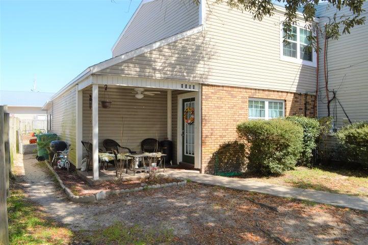 8158 Second Street, Navarre, FL 32566