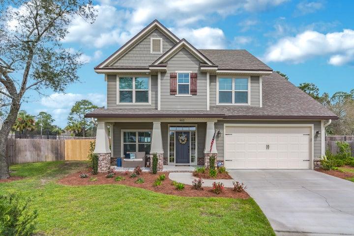 903 Tadpole Avenue, Niceville, FL 32578