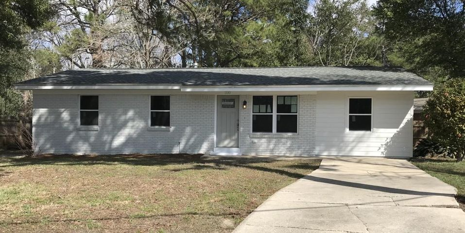 200 NW Ajax Drive, Fort Walton Beach, FL 32548