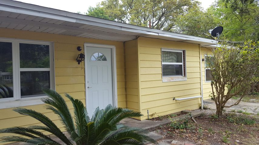 330 SE Shore Drive, Fort Walton Beach, FL 32548