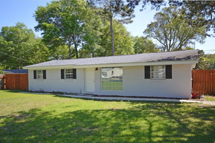 121 Air Force Street, Fort Walton Beach, FL 32547