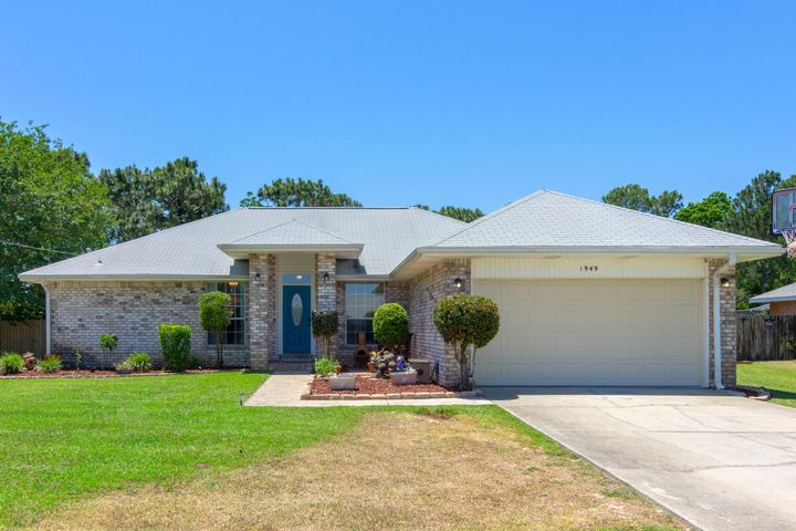 1949 Candlewood Drive, Navarre, FL 32566