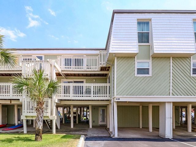 1100 Ft. Pickens Rd. Unit A-26