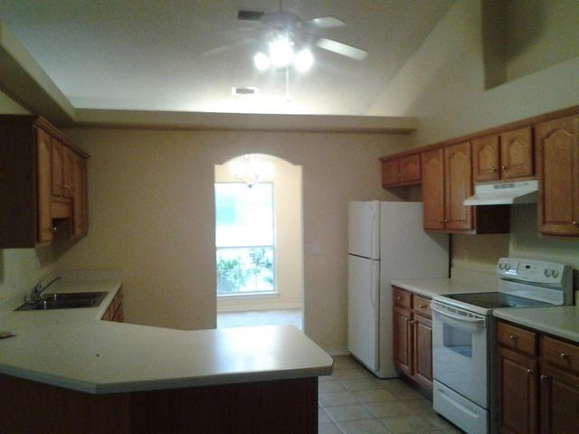 7799 Fenwick Street, Navarre, FL 32566