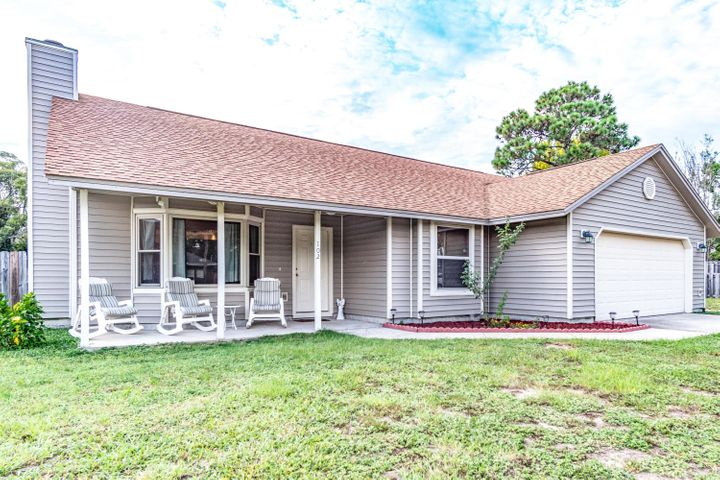 102 Pinehaven Drive, Mary Esther, FL 32569