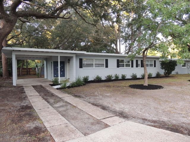 303 Smith Drive, Fort Walton Beach, FL 32548