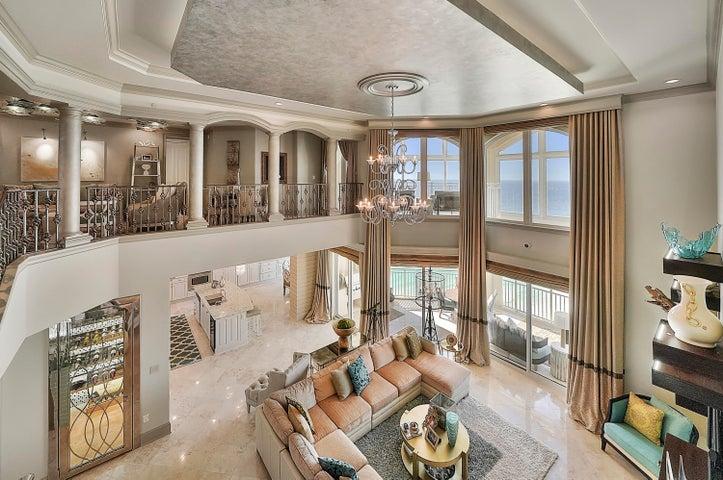 Absolutely Stunning Penthouse Villa!