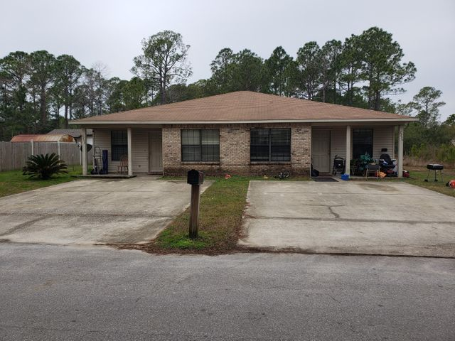 2233 Jeannie Street, Navarre, FL 32566