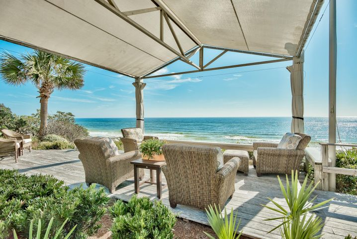 60' Gulf Front, Backyard Courtyard, Gulf Front Entertainment and Heated Pool