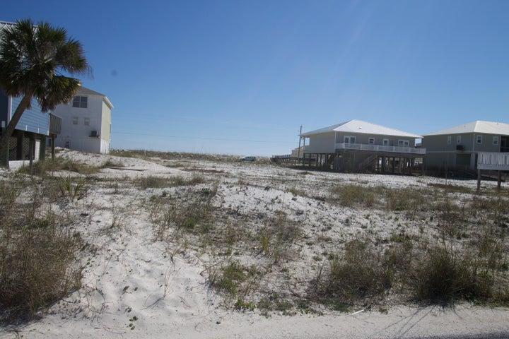 8169 White Sands Boulevard, Navarre, FL 32566