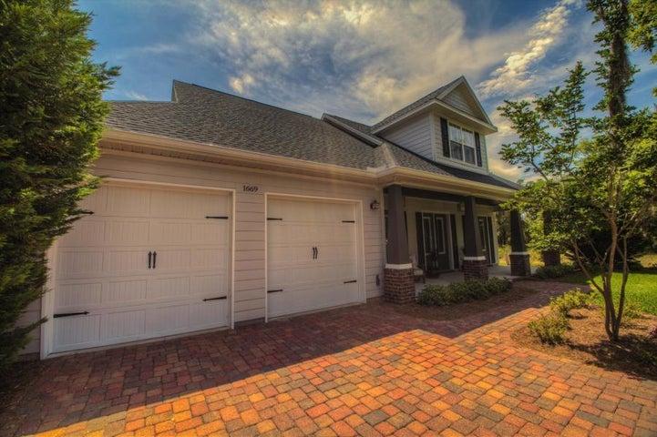 1669 St Lawrence Drive, Niceville, FL 32578