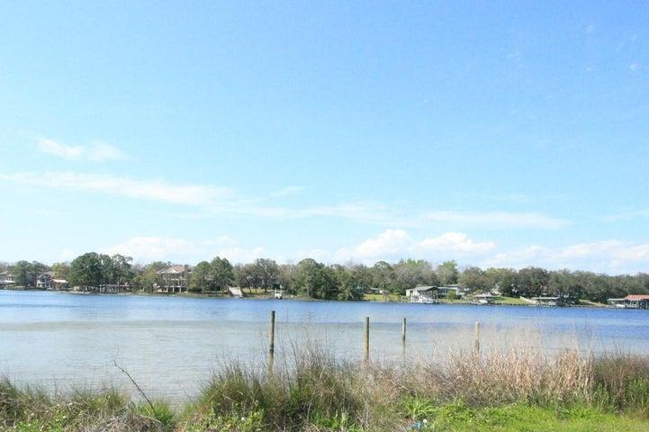 101A Harris Road, Fort Walton Beach, FL 32547