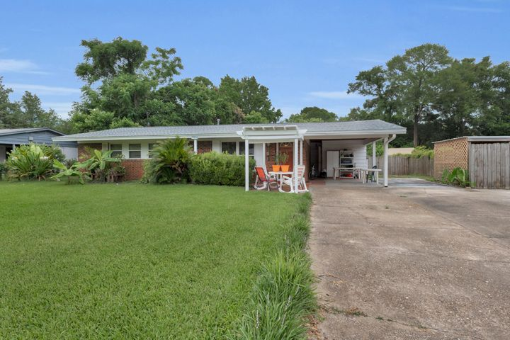 213 NW Baker Avenue, Fort Walton Beach, FL 32548