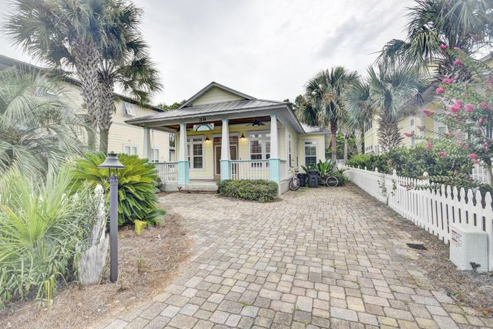 39 Dune Rosemary Ct features a long driveway for parking convenience