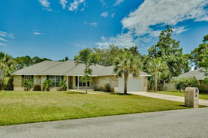 9372 Vandivere Drive, Navarre, FL 32566