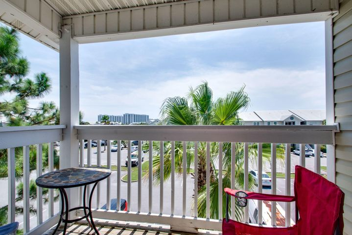 Great Two Bedroom / Two Bath third floor unit with balcony. Freshly painted and tiled throughout. Convenient to beaches, shopping, fishing, golf, and downtown Destin. Complex has a sparkling community poo, grill, and workout room with weights/treadmill/elliptical/shock absorbing floor. Great unit at a great price!