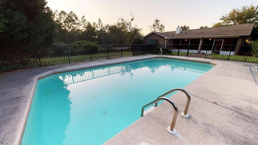 7039 Snug Waters Road, Navarre, FL 32566