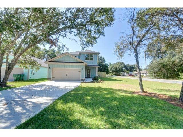 8461 Laredo Street, Navarre, FL 32566