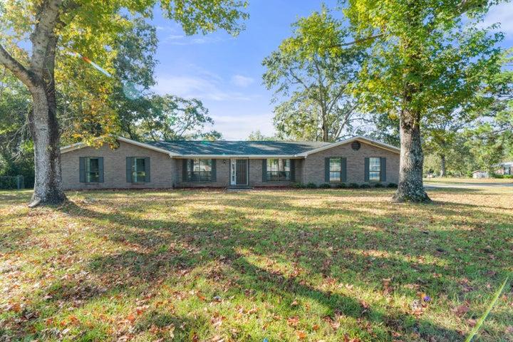 1410 Red Oak Drive, Crestview, FL 32539