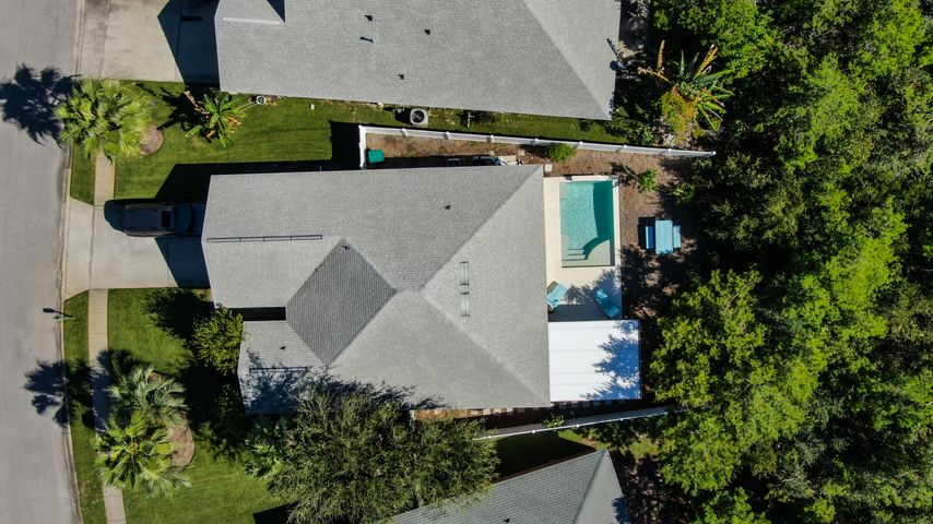 461 Sandy Cay Drive has a Private Salt water Heated Pool & Screened Porch