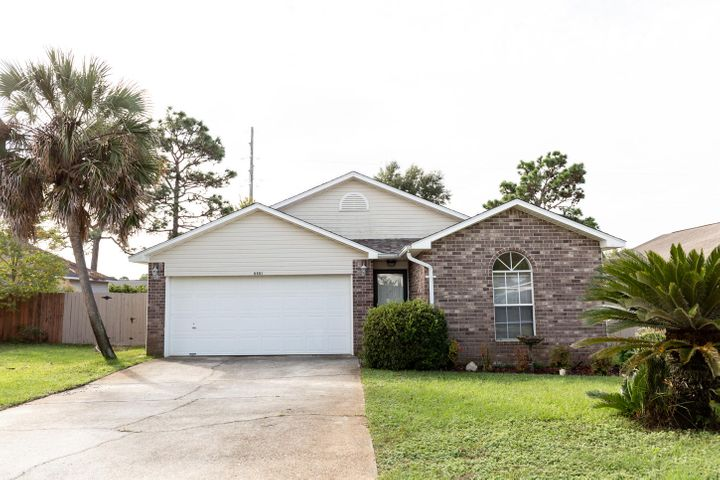 9451 Parker Place Drive, Navarre, FL 32566