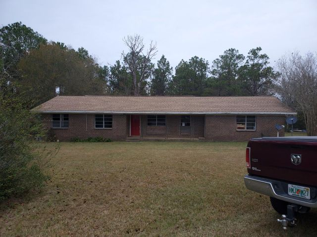 3761 County Hwy 1084, Defuniak Springs, FL 32433
