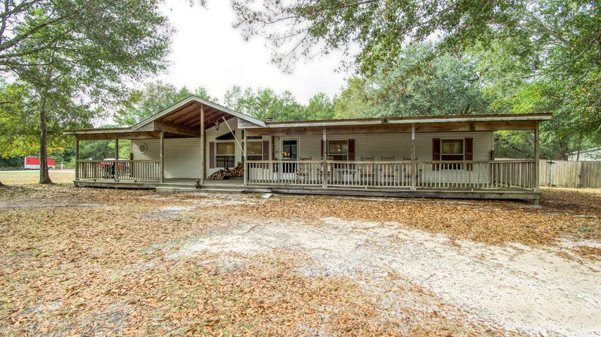 353 Goodwin Creek Road, Freeport, FL 32439