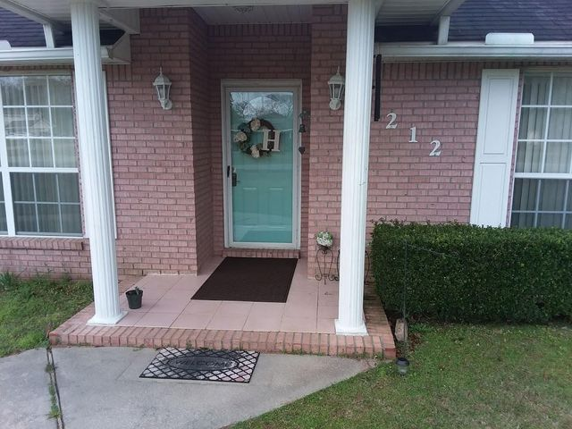 212 White Oak Avenue, Crestview, FL 32536
