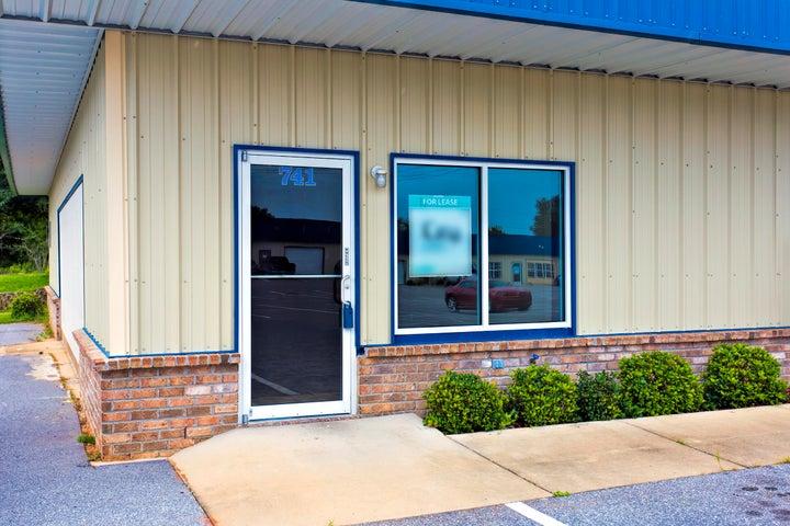 741 ASHLEY Drive, Crestview, FL 32536