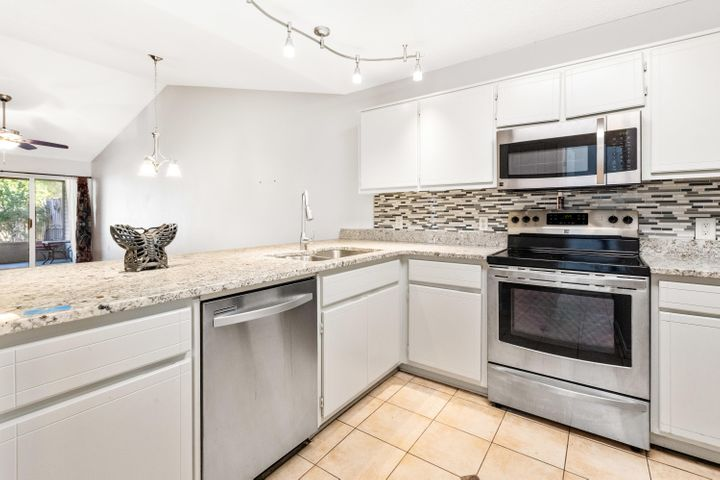 Beautifully updated kitchen with stainless appliances
