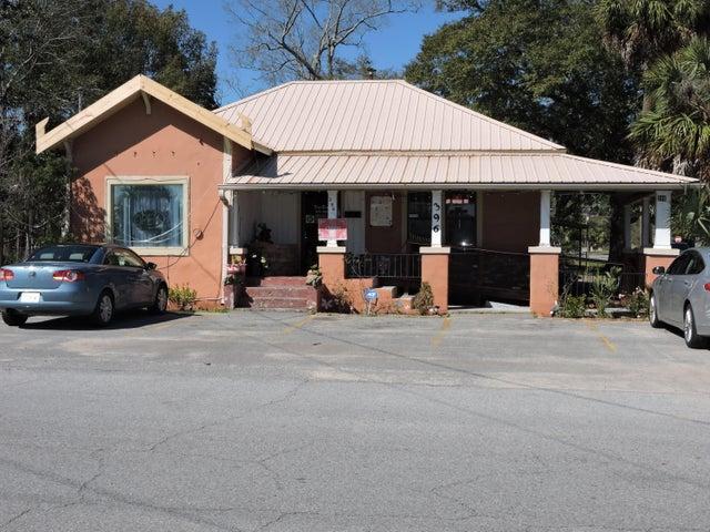 396 E Cedar Avenue, Crestview, FL 32536