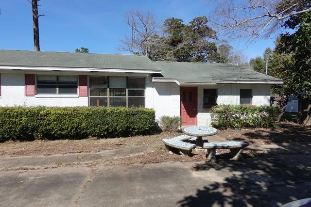 359 Shoemaker Drive, Defuniak Springs, FL 32433