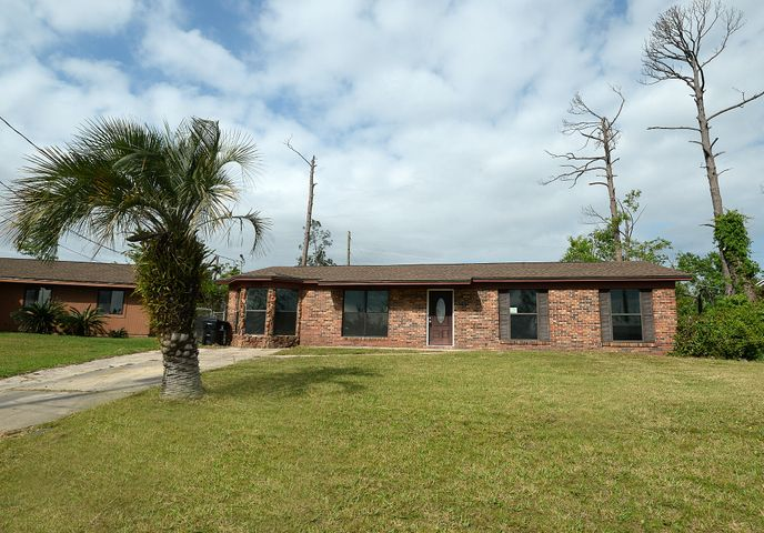 Fantastic Investment rental or Perfect primary residence.Completley renovated inside and waiting for your personal touch!This is a lot of home for the money, come take a look and check out the open floorplan! Call your Realtor and make an appointment today! Buyer to verify measurements.