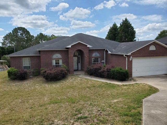 125 Villacrest Drive, Crestview, FL 32536