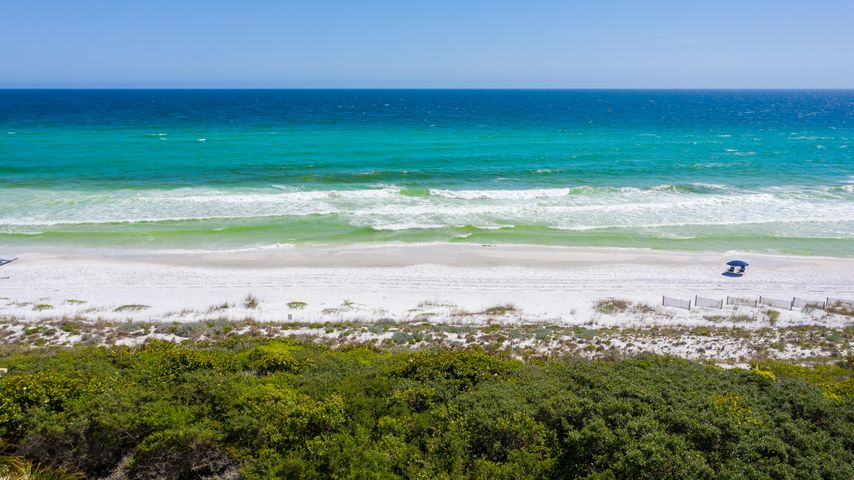 Here it is! The last of two undeveloped gulf front lots in the most exclusive non-rental neighborhood in South Walton - The Retreat. Amenities galore and you own the beach in front of your house. Life won't get any better than this!