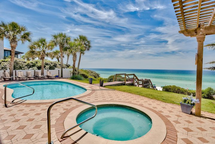 Heated Pool & Hot tub overlooking the Gulf of Mexico