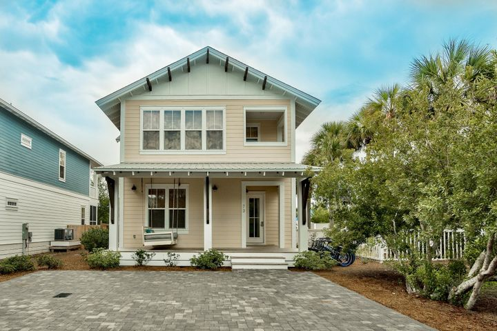 Centrally located in Seagrove near Seaside, Watercolor, Alys and Rosemary Beach; making it easy to enjoy the best local restaurants, shop the high end boutiques and enjoy the grass concerts and other fun local events.
