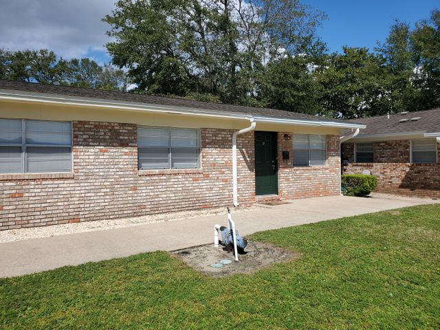 715 Greenwood Street, B, Fort Walton Beach, FL 32547