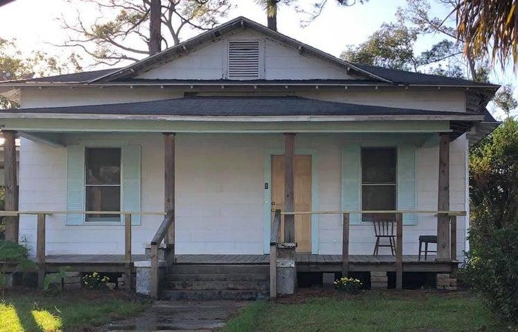 610 5th Street Street, Chipley, FL 32428