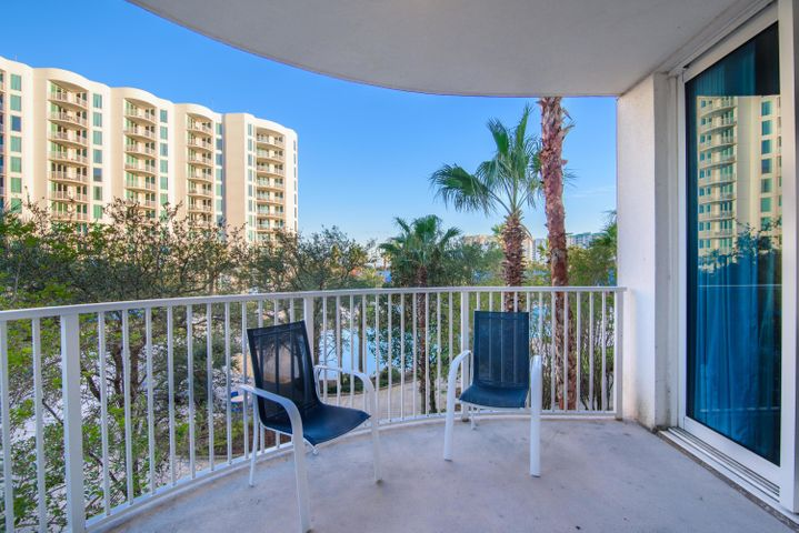 Looking for a rental income/family getaway in the heart of Destin? Look no further! With a courtyard view, unit 2309 over looks the beautiful lagoon pool. Included are many amenities, pool with a waterfall, hot tub, children's pool, splash pad, playground, tennis and basketball courts, and a fitness center. Let's not forget the onsite restaurant which offers room service! Your home away from home. Come see for yourself!